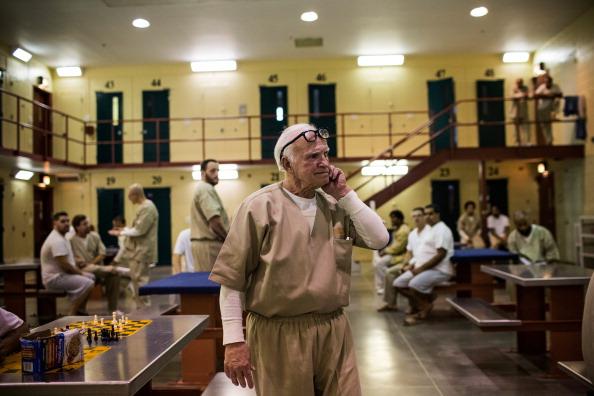 Nathan Burton「Aging Prisoners Make Up Fastest Growing Segment Of Nation's Prison Population」:写真・画像(12)[壁紙.com]