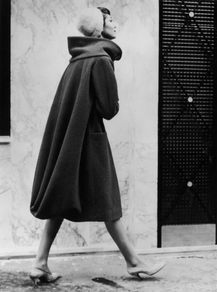 Coat - Garment「Draped Coat」:写真・画像(4)[壁紙.com]