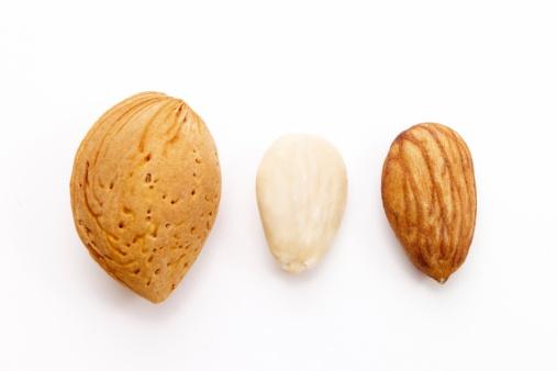 Almonds「Almonds, close-up」:スマホ壁紙(13)
