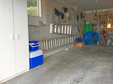 Workshop「Interior View of Home Garage」:スマホ壁紙(4)