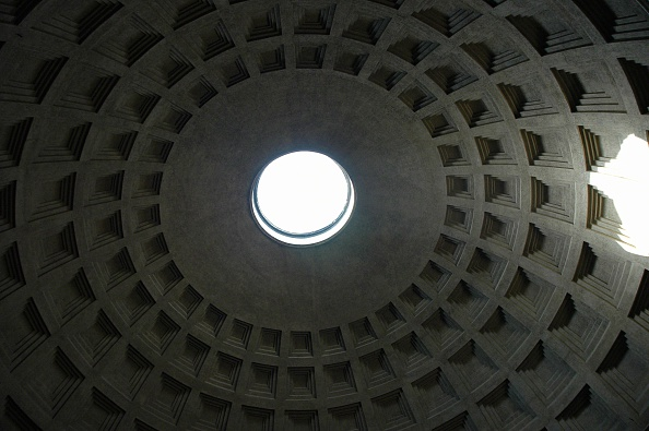 Architectural Dome「Interior View Of The Pantheon. Originally Built In The Reign Of Augustus, Rebuilt Under Hadrian. Ded Artist: Werner Forman.」:写真・画像(9)[壁紙.com]
