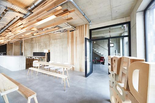 Coffee Break「Interior view of modern office」:スマホ壁紙(16)