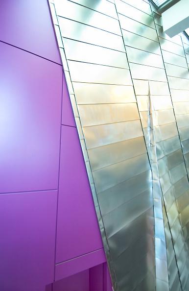 紫「Interior view of the Imperial War Museum of the North, Manchester, England, UK」:写真・画像(6)[壁紙.com]