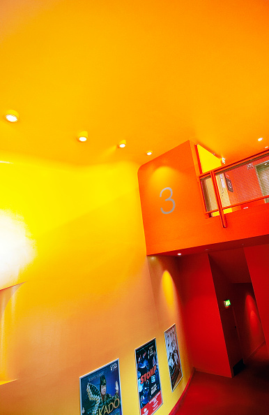 Yellow「Interior view of the Imperial War Museum of the North, Manchester, England, UK」:写真・画像(3)[壁紙.com]