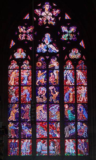 Interior view of cathedral window:スマホ壁紙(壁紙.com)