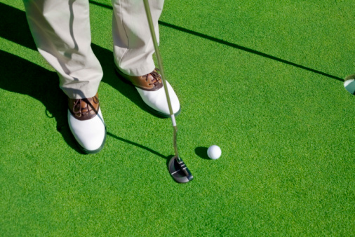 Putting - Golf「Golf player trying to make the putt」:スマホ壁紙(9)