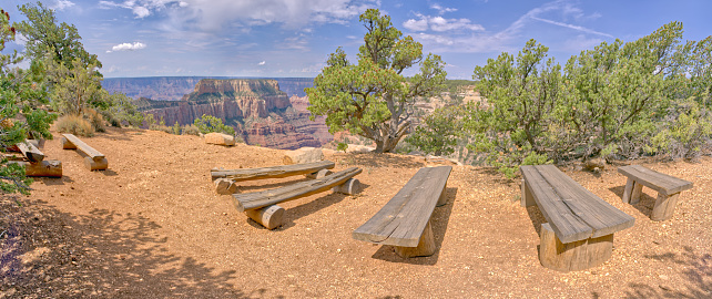 Kaibab National Forest「Amphitheatre benches at Wedding Site, Cape Royal, North Rim, Kaibab National Forest, Grand Canyon, Arizona, USA」:スマホ壁紙(14)