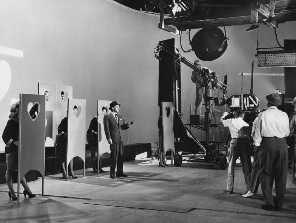 Surround Sound「Frank Sinatra's Show」:写真・画像(15)[壁紙.com]