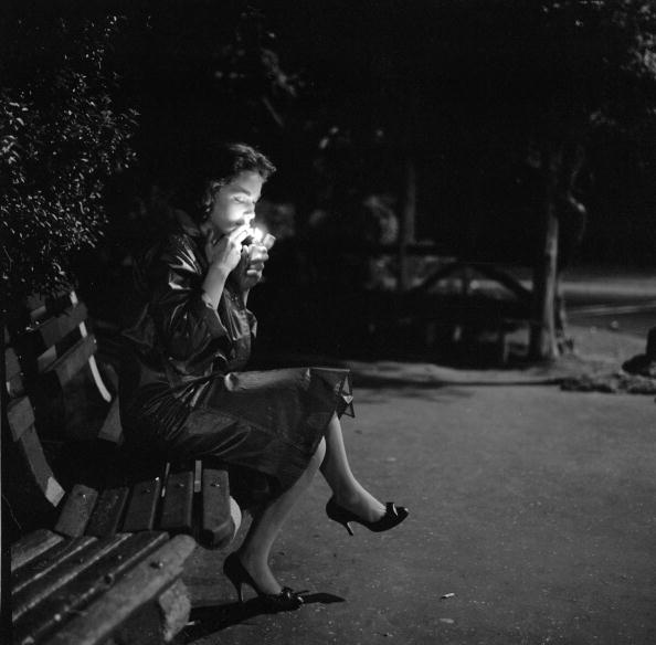 Bench「Night Cigarette」:写真・画像(4)[壁紙.com]
