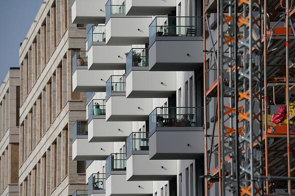 高層ビル「Government Ministers Speak On Housing Offensive」:写真・画像(9)[壁紙.com]