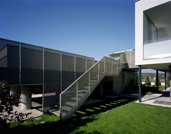 Steps「Residential housing, Voecklabruck, Upper Austria, architect Gaertner & Neururer, 2002」:写真・画像(9)[壁紙.com]