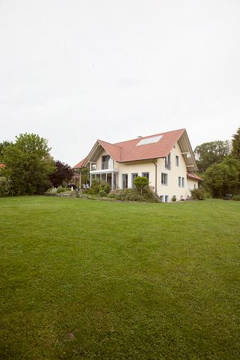 ドイツ「Residential house with garden」:スマホ壁紙(3)