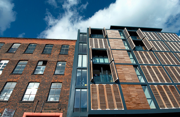 Plank - Timber「Residential development with wood shutters and timber cladding Manchester, England, UK」:写真・画像(13)[壁紙.com]