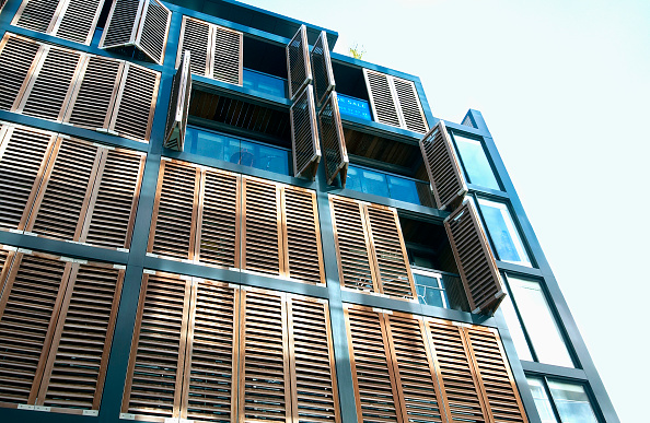 Plank - Timber「Residential development with wood shutters England, UK」:写真・画像(14)[壁紙.com]