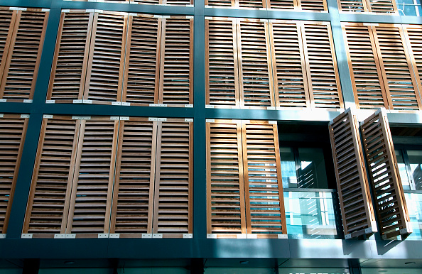 18-19 Years「Residential development with wood shutters England, UK」:写真・画像(15)[壁紙.com]