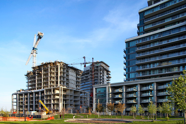 Construction Machinery「Residential building under construction, Canada.」:写真・画像(10)[壁紙.com]