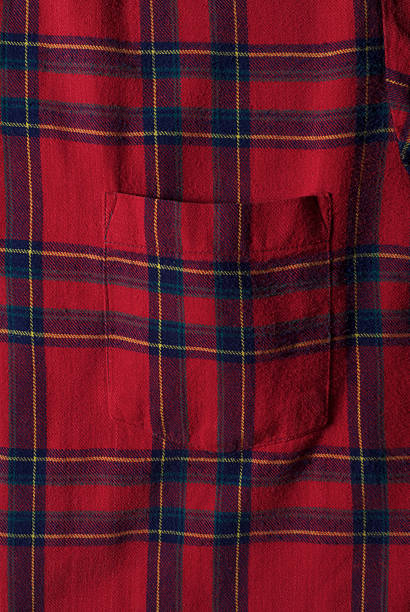 Red plaid flannel shirt with pocket:スマホ壁紙(壁紙.com)