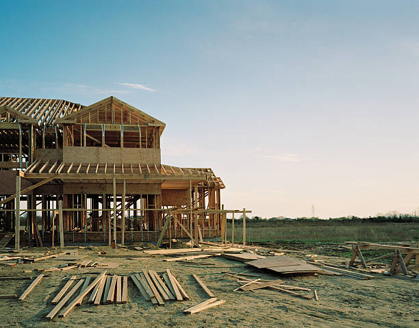 House under construction:スマホ壁紙(壁紙.com)
