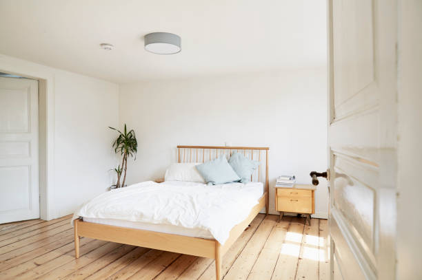Bright modern bedroom in an old country house:スマホ壁紙(壁紙.com)
