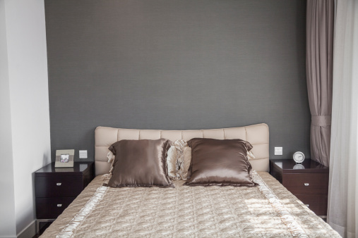 Part of a Series「Bright, modern bedroom with beige bedspread.」:スマホ壁紙(9)