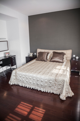 Part of a Series「Bright, modern bedroom with beige bedspread.」:スマホ壁紙(8)