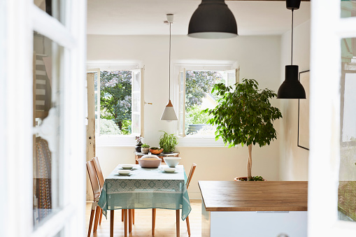 Home Interior「Bright modern kitchen and dining room in an old country house」:スマホ壁紙(2)