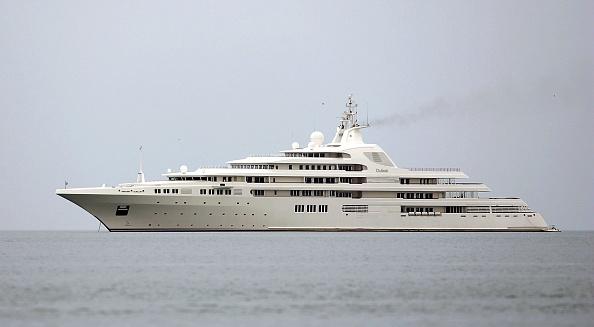船・ヨット「Super Yacht Moors in Doha, Qatar」:写真・画像(0)[壁紙.com]
