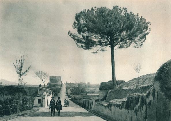 Appian Way「The Via Appia (Appian Way), Rome, Italy」:写真・画像(1)[壁紙.com]