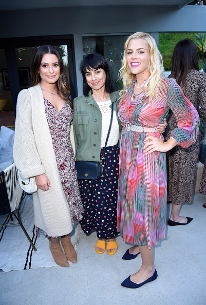 """Small Group Of People「Sakara Life + Rothy's Celebrate """"Eat Clean Play Dirty"""" Cookbook Launch」:写真・画像(8)[壁紙.com]"""