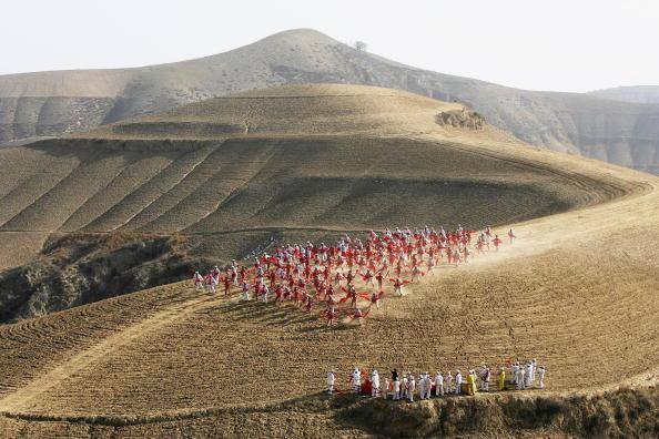 お祭り「People Perform Ansai Drum Dance In Ansai」:写真・画像(2)[壁紙.com]