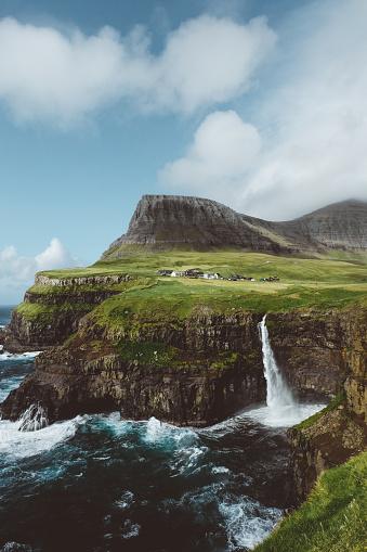Steep「Small village above one of themes beautiful waterfalls in the world on Faroe Islands」:スマホ壁紙(11)