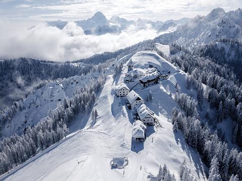 Ski Resort「A small village on the mountain peak in Wintertime」:スマホ壁紙(12)
