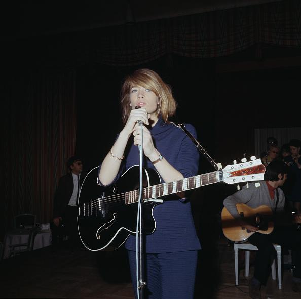 Musical instrument「Francoise Hardy」:写真・画像(19)[壁紙.com]