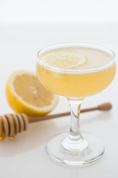 Bees knees cocktail:スマホ壁紙(壁紙.com)