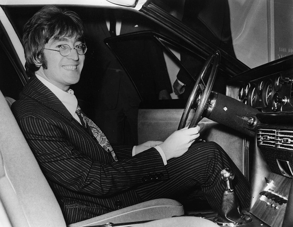 Smiling「Beatle Car」:写真・画像(6)[壁紙.com]