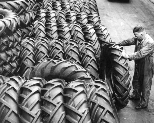 Tractor「Tractor Tyres」:写真・画像(19)[壁紙.com]