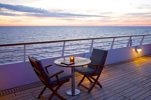 Ship「Pair of yacht deck chairs awaiting couple」:スマホ壁紙(8)