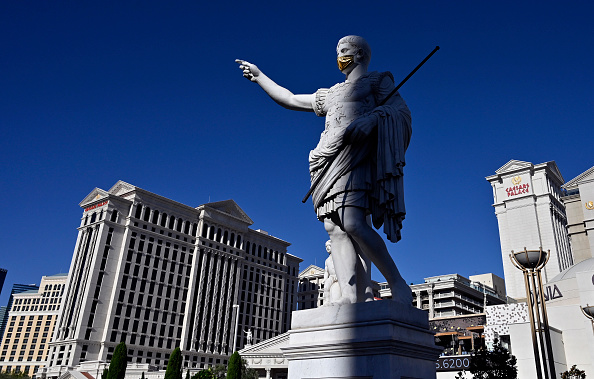 Las Vegas「Nevada Casinos Reopen For Business After Closure For Coronavirus Pandemic」:写真・画像(8)[壁紙.com]