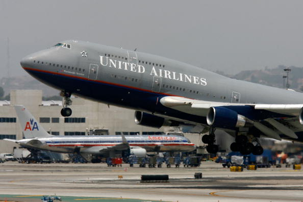 Taking Off - Activity「United Airlines Removing Planes From Fleet And Cutting Around 1,000 Jo」:写真・画像(18)[壁紙.com]