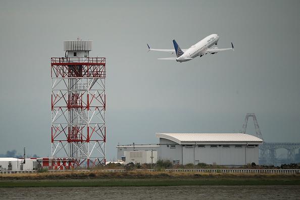 飛行機「EPA To Regulate Greenhouse Gas Emissions From Airplanes」:写真・画像(19)[壁紙.com]