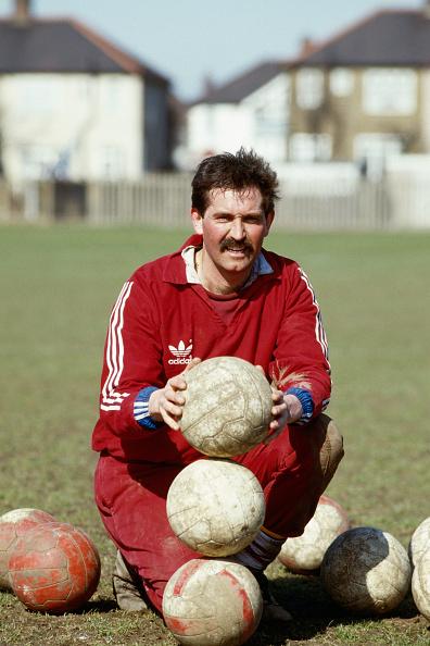 Club Soccer「England Cricketer Graham Gooch Football training with West Ham United 1985」:写真・画像(16)[壁紙.com]