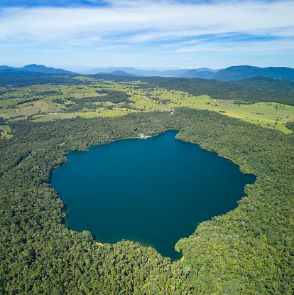 Volcanic Crater「Lake Barrine, Crater Lakes National Park, Queensland, Australia」:スマホ壁紙(8)