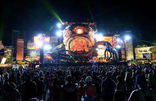EDC「18th Annual Electric Daisy Carnival - Day 1」:写真・画像(3)[壁紙.com]