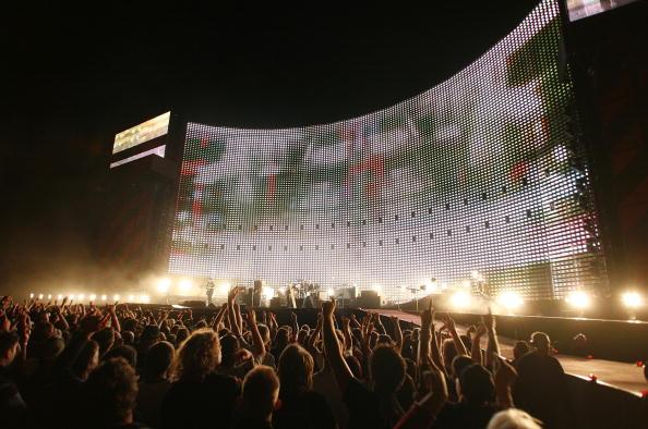 Jeff Brass「U2 Play Auckland Stop Of Their Vertigo Tour」:写真・画像(9)[壁紙.com]