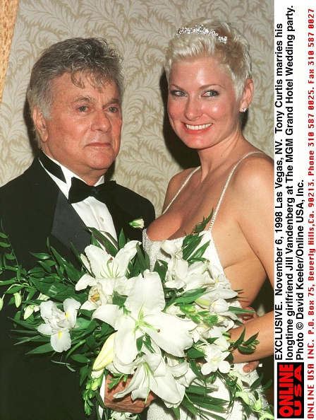 David Keeler「Las Vegas Nv Exclusive Tony Curtis Marries His Longtime Girlfriend Jill Vandenber」:写真・画像(3)[壁紙.com]