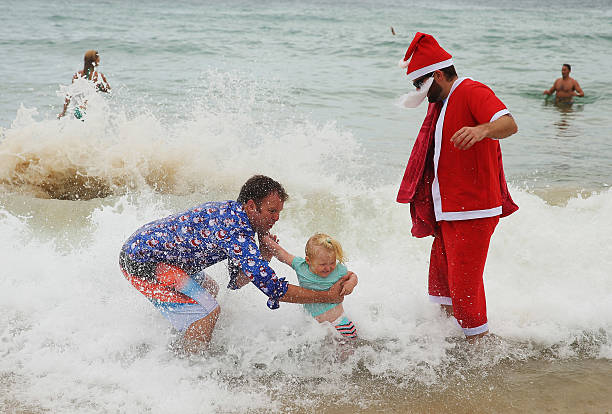 People Celebrate Christmas At Bondi Beach:ニュース(壁紙.com)
