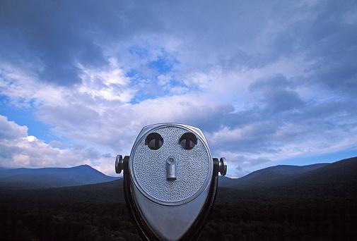 Eyesight「coin-operated binoculars facing mountains under clouds and a big sky」:スマホ壁紙(6)