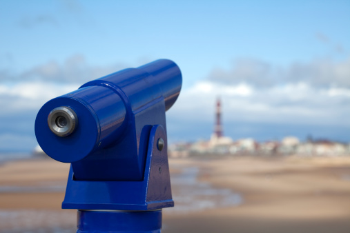 Dartmouth - England「Coin-operated telescope at seaside」:スマホ壁紙(2)