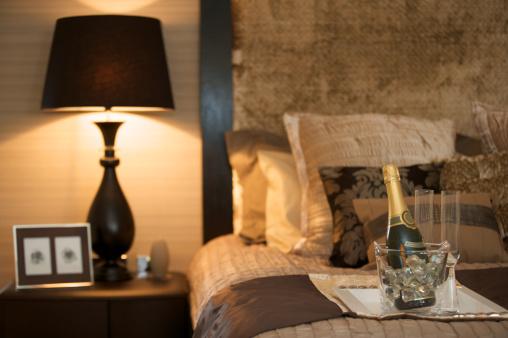 酒「ラグジュアリーベッドルーム、シャンパン」:スマホ壁紙(16)