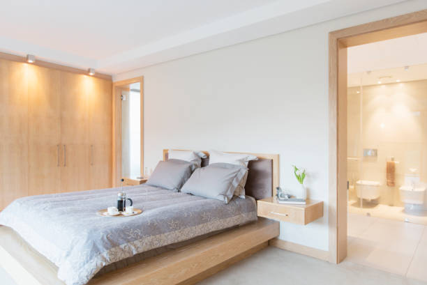 Luxury bedroom and ensuite bathroom:スマホ壁紙(壁紙.com)